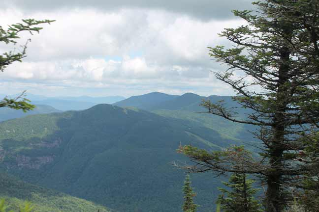 Spring in the green mountains for Vermont mountain cabins