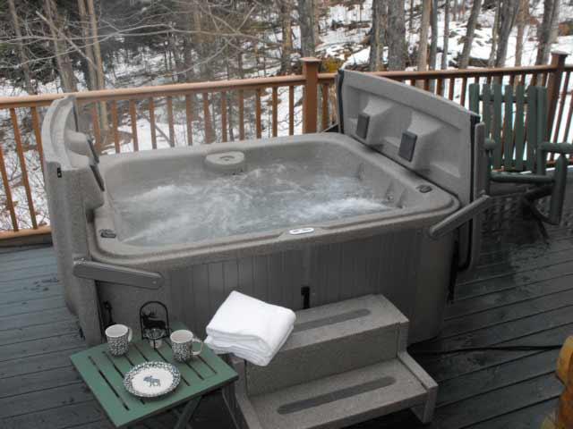 Hot tub at Field & Stream